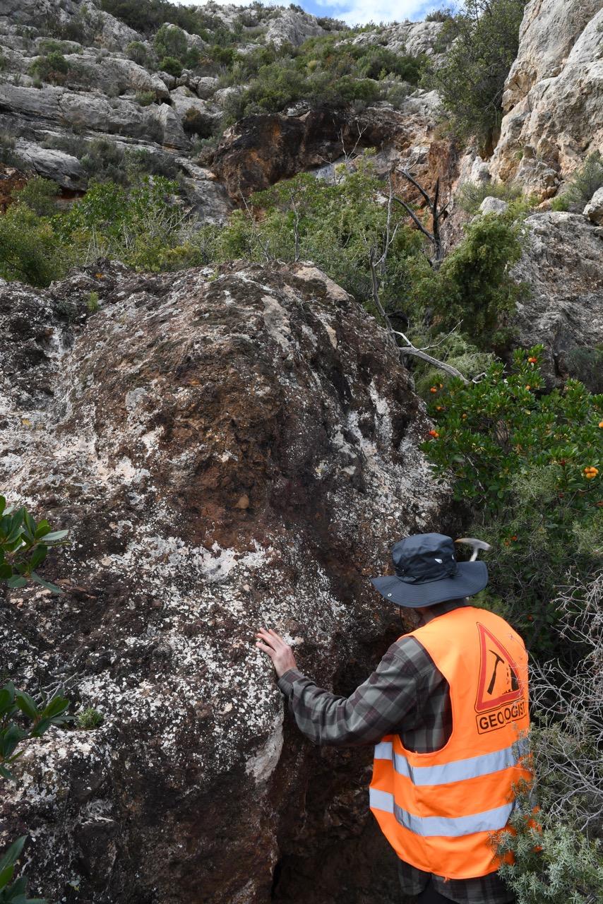 Identification et prélèvement d'une source d'oxyde de fer (Alicante, Espagne)